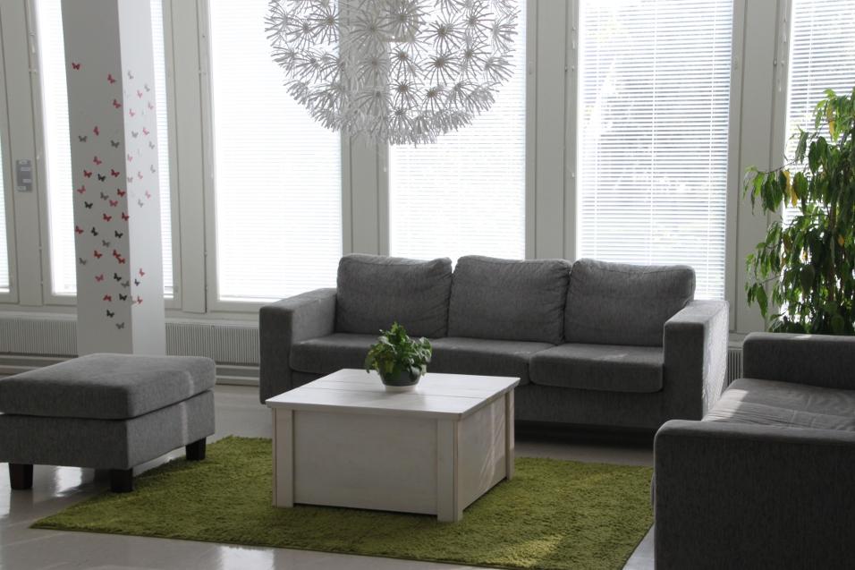 Soffa och bord